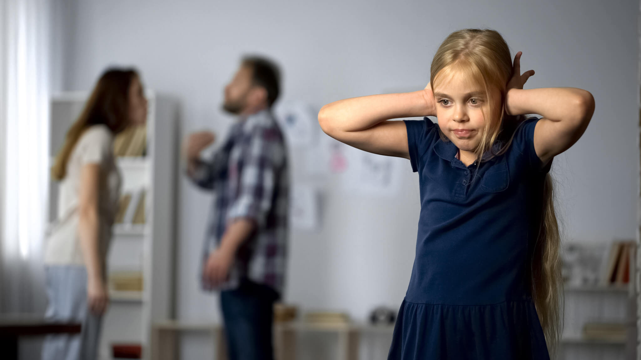 Kind leidet unter dem Streit der Eltern